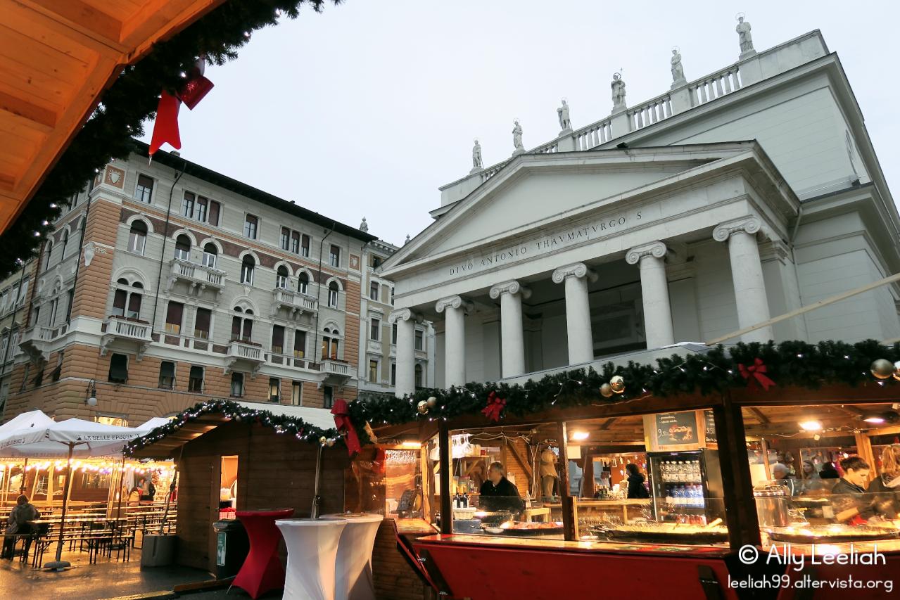 Mercatino di Natale Francese a Trieste © leeliah99.altervista.org