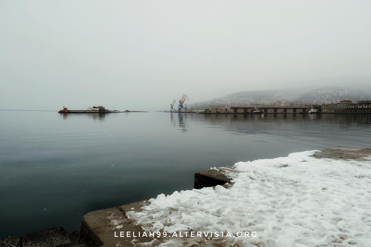 Neve sul Molo Audace a Trieste © leeliah99.altervista.org