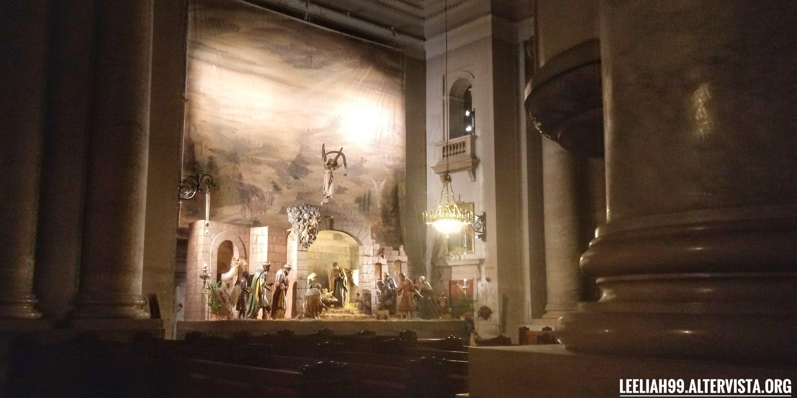 Presepe gigante nella chiesa di Sant'Antonio Nuovo a Trieste © leeliah99.altervista.org